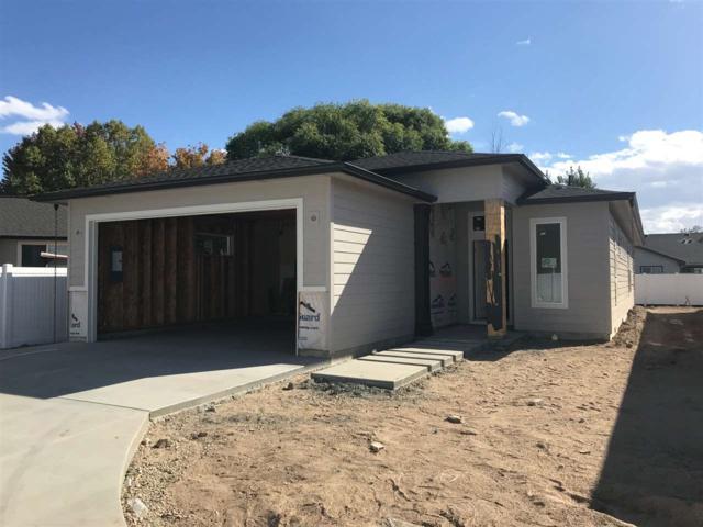 2079 E Oakcrest Drive, Meridian, ID 83646 (MLS #98712797) :: Jackie Rudolph Real Estate