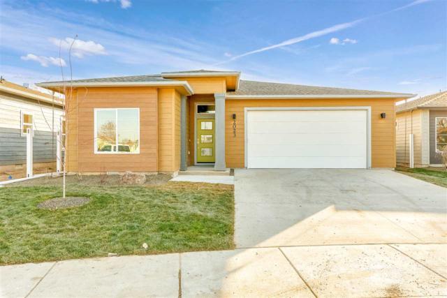 2023 E Oakcrest Drive, Meridian, ID 83646 (MLS #98712798) :: Jackie Rudolph Real Estate