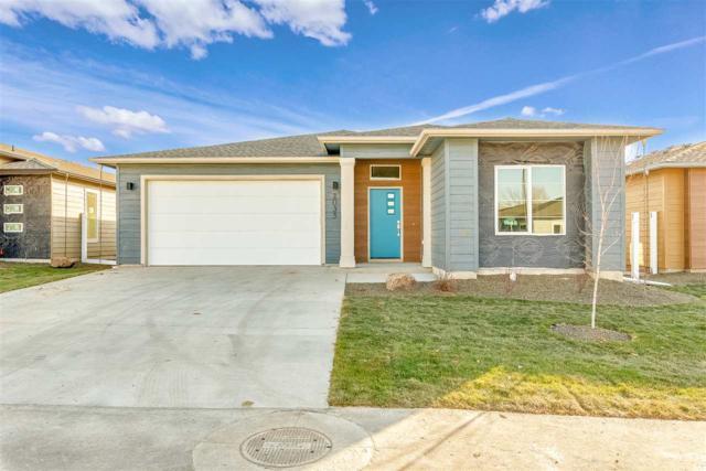 2035 E Oakcrest Drive, Meridian, ID 83646 (MLS #98712799) :: Jackie Rudolph Real Estate