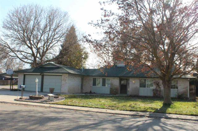 8661 W Oakmont, Boise, ID 83704 (MLS #98712854) :: Team One Group Real Estate