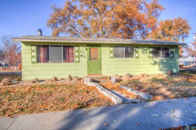 211 Wilson Ave, Emmett, ID 83617 (MLS #98713161) :: Full Sail Real Estate