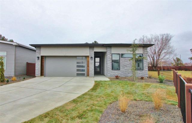 3819 W Crossley Dr, Eagle, ID 83616 (MLS #98713351) :: Full Sail Real Estate