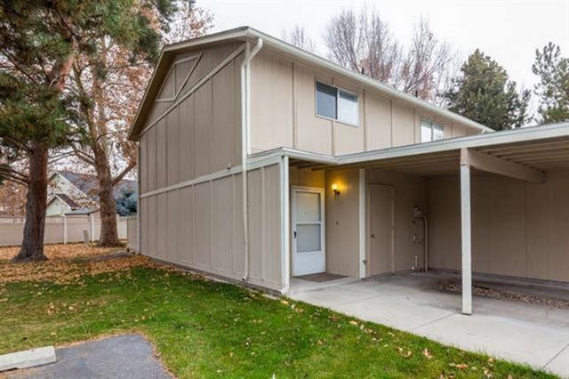 245 N Eagle Glen  Lane, Eagle, ID 83616 (MLS #98714641) :: Full Sail Real Estate