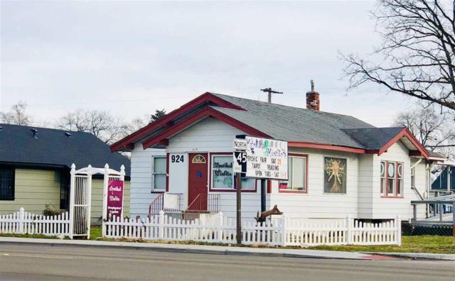 924 12th Ave South, Nampa, ID 83651 (MLS #98715028) :: Jon Gosche Real Estate, LLC