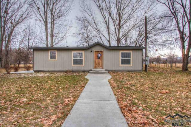568 Jacobson, Emmett, ID 83617 (MLS #98716090) :: Build Idaho