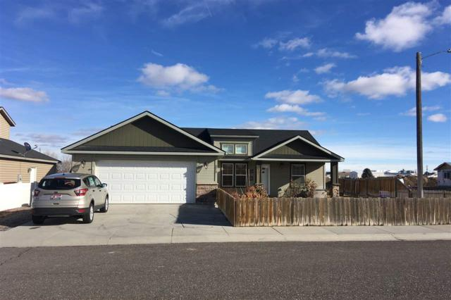 272 Jeannie Way, Twin Falls, ID 83301 (MLS #98717237) :: New View Team