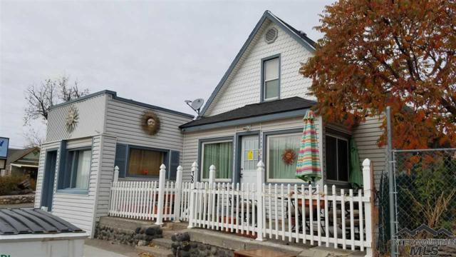 38 E 1st Ave, Glenns Ferry, ID 83623 (MLS #98717572) :: Juniper Realty Group
