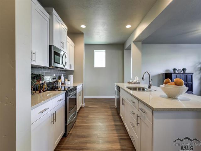 2086 S Hills Ave, Meridian, ID 83642 (MLS #98717754) :: Jon Gosche Real Estate, LLC