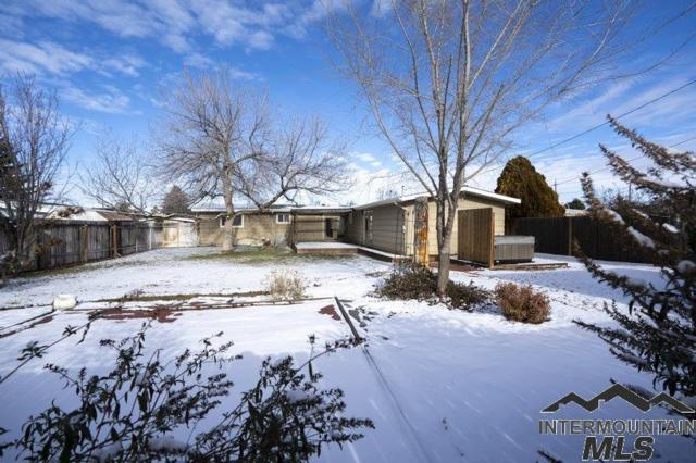 2170 Sherry Ln, Twin Falls, ID 83301 (MLS #98719198) :: Juniper Realty Group