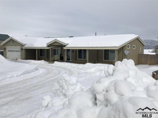 316 S Front St, Cascade, ID 83611 (MLS #98719424) :: Boise Valley Real Estate