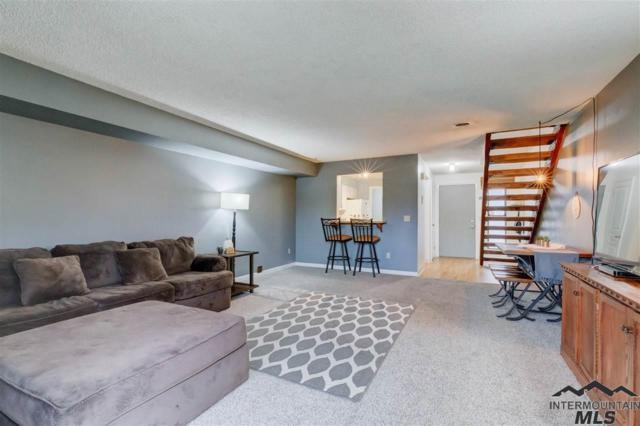 264 N Eagle Glen Lane, Eagle, ID 83616 (MLS #98719461) :: Team One Group Real Estate