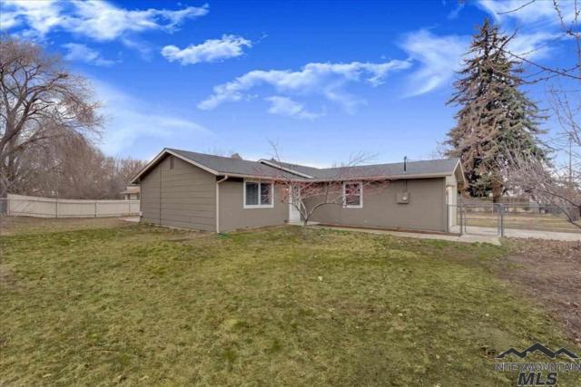 525 W Main St, Middleton, ID 83644 (MLS #98719463) :: Bafundi Real Estate