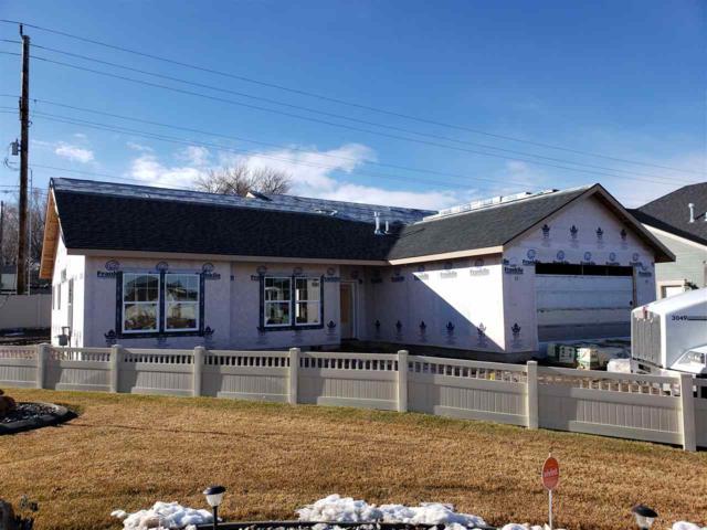 949 Birchton Loop, Twin Falls, ID 83301 (MLS #98719519) :: Silvercreek Realty Group