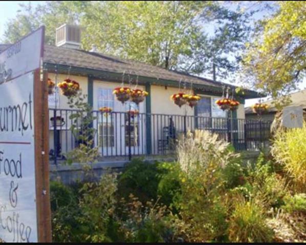 1924 Addison Avenue E, Twin Falls, ID 83301 (MLS #98719634) :: Ben Kinney Real Estate Team