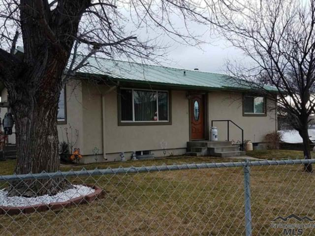 87 E 4th Ave, Glenns Ferry, ID 83623 (MLS #98721060) :: Full Sail Real Estate