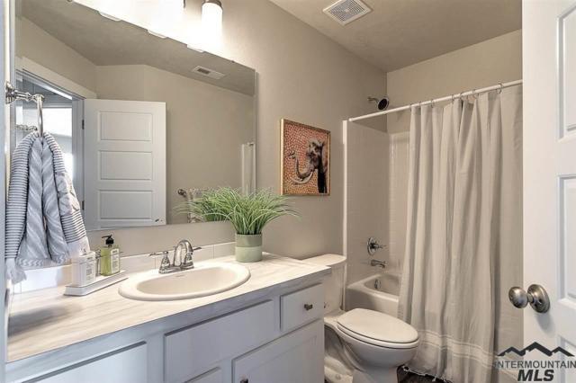 5277 N Maplestone Ave, Meridian, ID 83646 (MLS #98721532) :: Build Idaho
