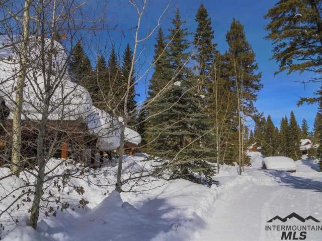 62 Twin Creek Court, Donnelly, ID 83615 (MLS #98722139) :: Alves Family Realty