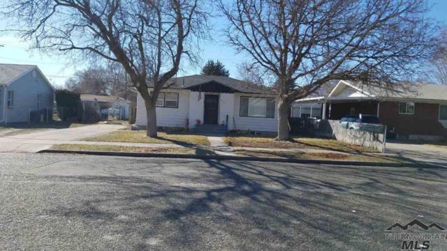 825 N 9th E, Mountain Home, ID 83647 (MLS #98722247) :: New View Team