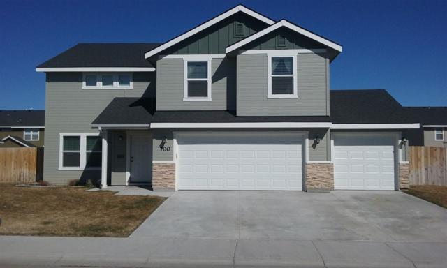700 SW Huebert, Mountain Home, ID 83647 (MLS #98722354) :: Bafundi Real Estate