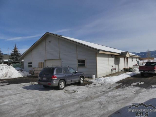 212 S Front Street, Cascade, ID 83611 (MLS #98722793) :: Legacy Real Estate Co.