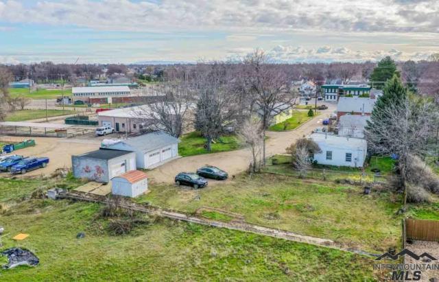 1418 S Kimball Ave, Caldwell, ID 83605 (MLS #98724004) :: Bafundi Real Estate