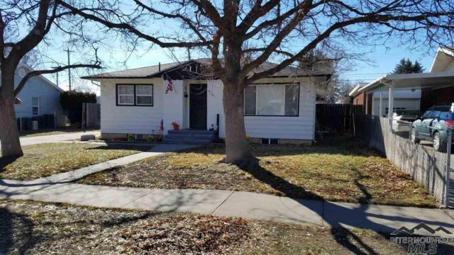 825 N 9th E, Mountain Home, ID 83647 (MLS #98724527) :: New View Team
