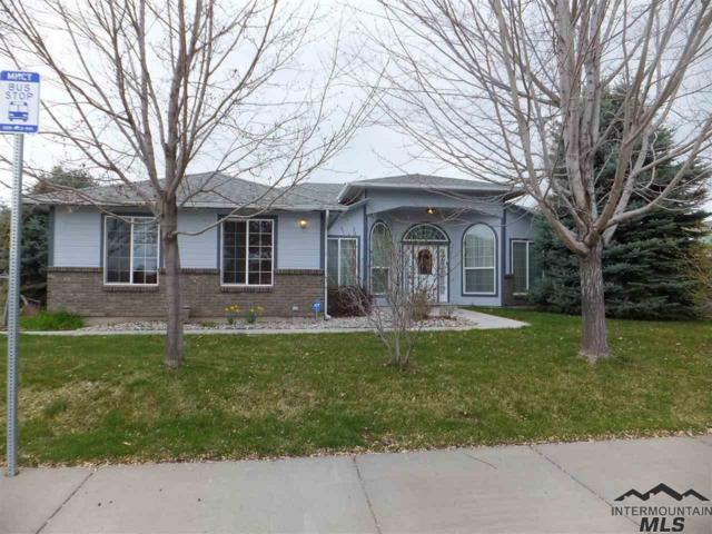 290 E 15th N, Mountain Home, ID 83647 (MLS #98724695) :: Full Sail Real Estate