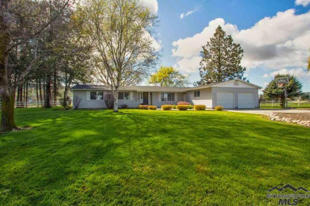 2585 E Locust, Emmett, ID 83617 (MLS #98725830) :: Bafundi Real Estate