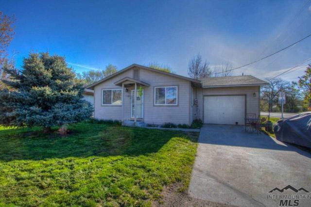 1120 S Johnson Ave, Emmett, ID 83617 (MLS #98726105) :: Full Sail Real Estate