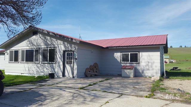 989 Banks Lowman Road, Garden Valley, ID 83622 (MLS #98727991) :: New View Team