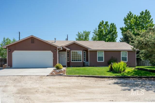 870 W Sharp Lane, Kuna, ID 83634 (MLS #98729577) :: Minegar Gamble Premier Real Estate Services