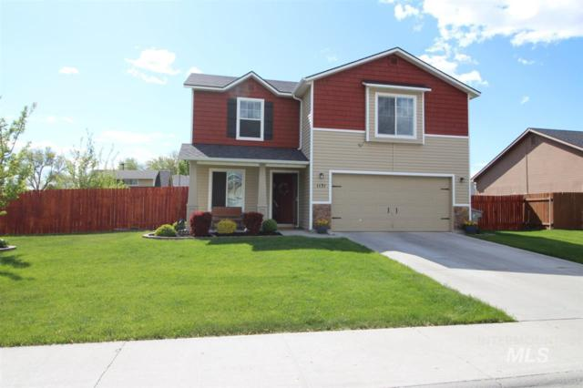 1131 SW Independence Ave, Mountain Home, ID 83647 (MLS #98729595) :: New View Team