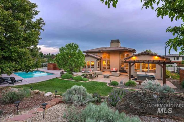 1898 S Travertine Way, Boise, ID 83712 (MLS #98729774) :: Jackie Rudolph Real Estate