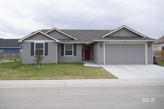 1025 SW Bonnie, Mountain Home, ID 83647 (MLS #98729959) :: Juniper Realty Group
