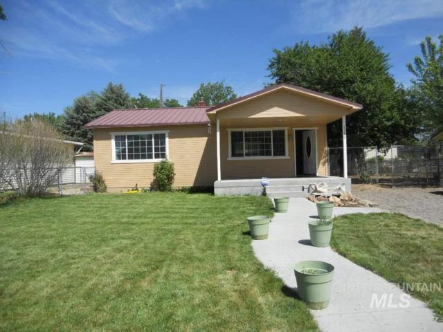 1180 N 10th East Street, Mountain Home, ID 83647 (MLS #98730108) :: Jon Gosche Real Estate, LLC
