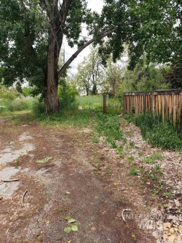 3205 W Moore St, Boise, ID 83702 (MLS #98730334) :: Idahome and Land