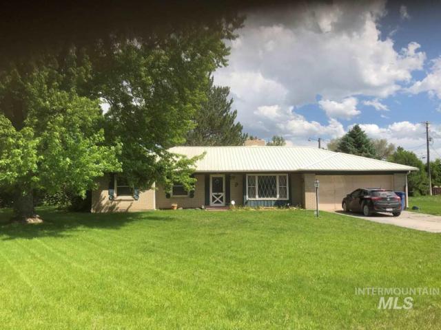 1624 Pine Street, Rupert, ID 83350 (MLS #98732518) :: New View Team