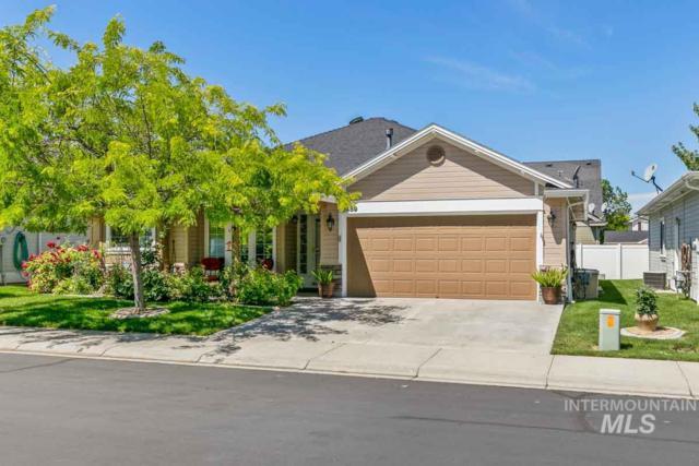2459 N Phoenix Ln, Meridian, ID 83646 (MLS #98733746) :: Jackie Rudolph Real Estate