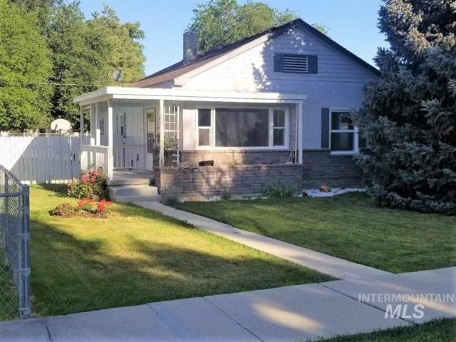 215 S Locust St, Nampa, ID 83686 (MLS #98733783) :: Jackie Rudolph Real Estate