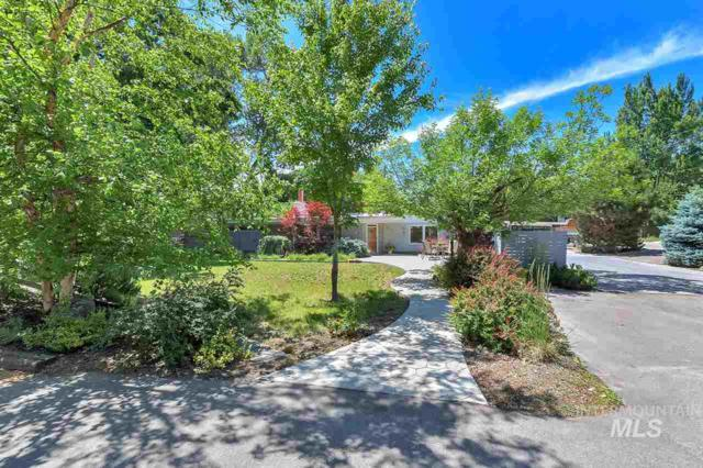 3823 N Tamarack Dr, Boise, ID 83703 (MLS #98733862) :: Full Sail Real Estate