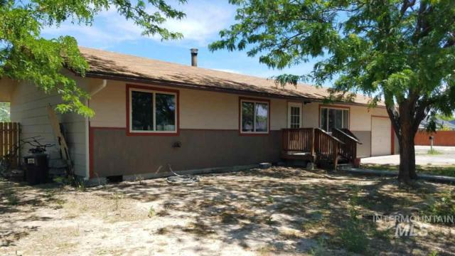503 NW Garrett Ave, Mountain Home, ID 83647 (MLS #98733953) :: Team One Group Real Estate