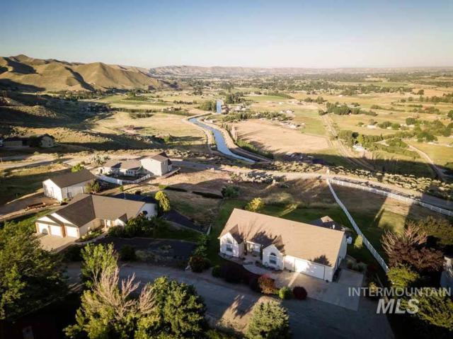 2075 Picket Lane, Emmett, ID 83617 (MLS #98734423) :: Full Sail Real Estate