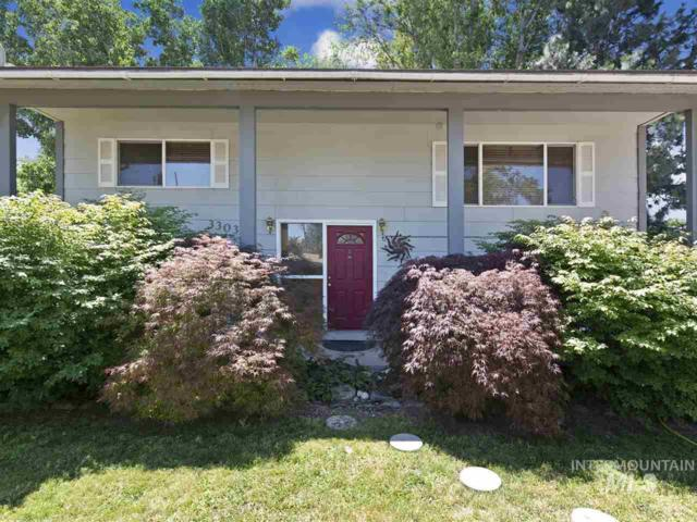 3303 W Edgemoor, Boise, ID 83703 (MLS #98734483) :: Jon Gosche Real Estate, LLC
