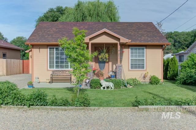817 N 11th St, Payette, ID 83661 (MLS #98734630) :: Full Sail Real Estate