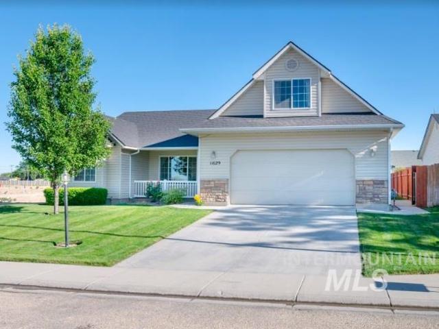 11629 Stockbridge Way, Caldwell, ID 83605 (MLS #98734710) :: Bafundi Real Estate