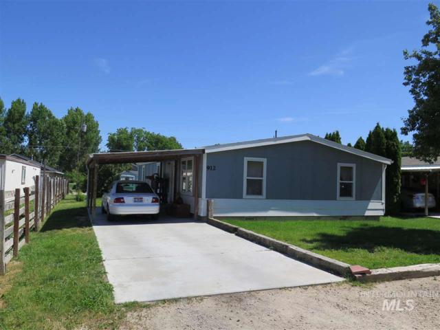 912 4th Ave North, Nampa, ID 83651 (MLS #98735483) :: Team One Group Real Estate