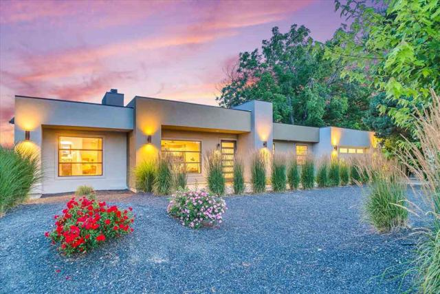 7957 W Preece Dr, Boise, ID 83704 (MLS #98736681) :: Team One Group Real Estate