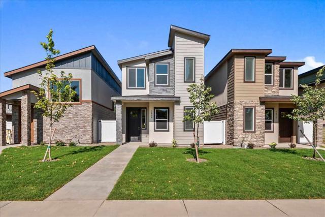 1815 S Kerr Street, Boise, ID 83705 (MLS #98737433) :: Jon Gosche Real Estate, LLC