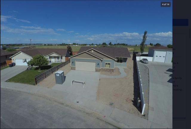 1168 Cortes Loop, Twin Falls, ID 83301 (MLS #98737898) :: Minegar Gamble Premier Real Estate Services