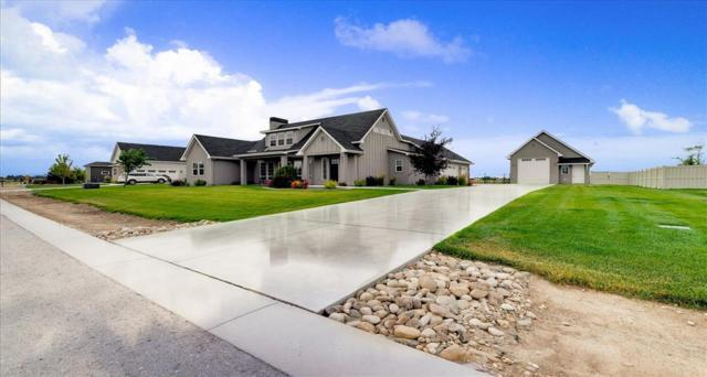 8521 Silverwood Way, Middleton, ID 83644 (MLS #98737900) :: Full Sail Real Estate